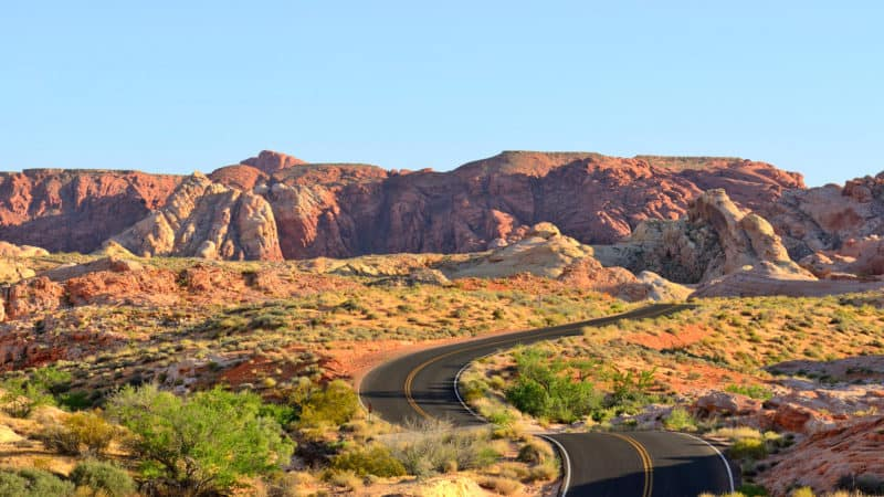 14 Nevada Vacation Spots: Entertainment, Canyons, Deserts, And More